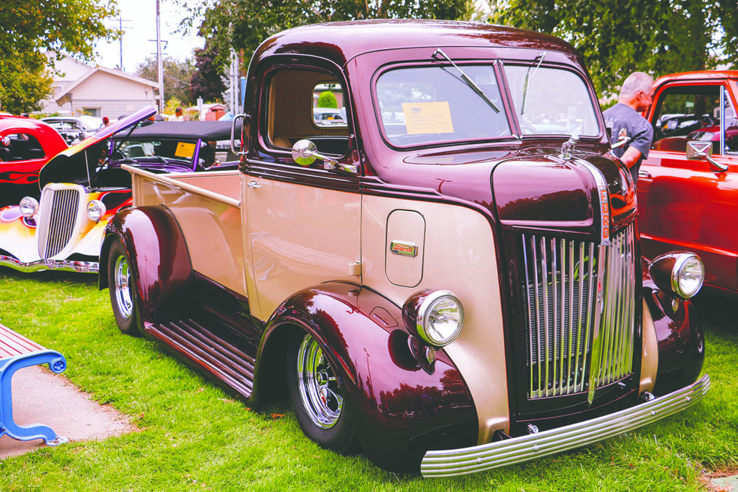 1942 Ford COE